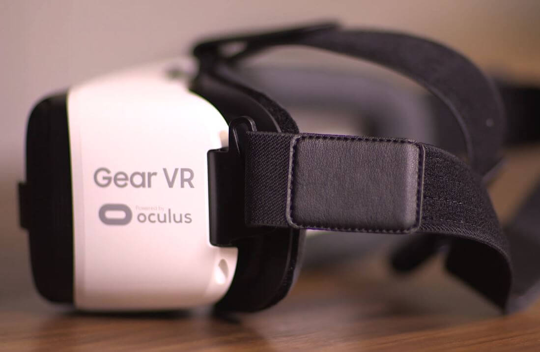 what is gear vr review