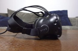 oculus rift amazon htc vive