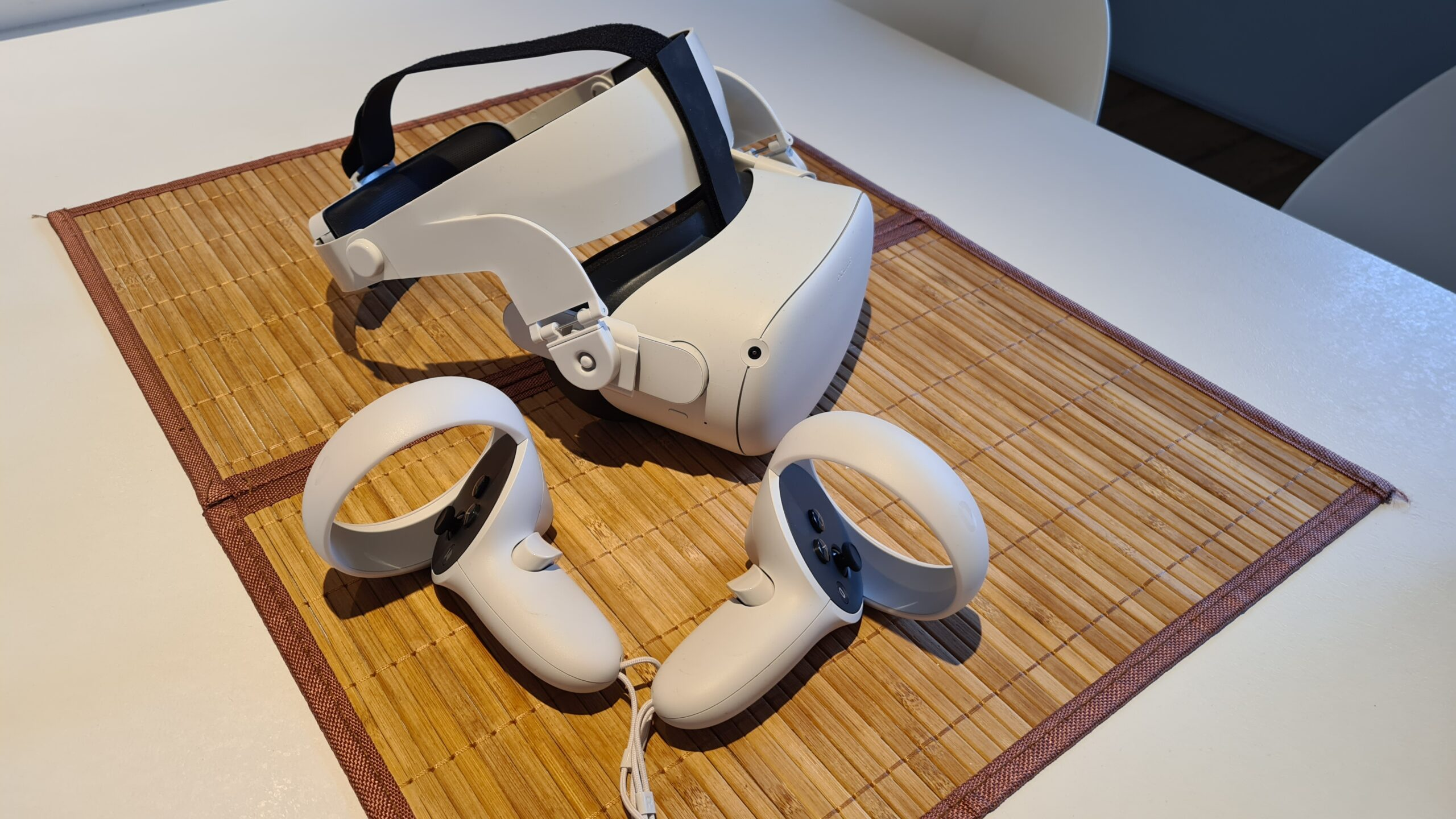 Oculus Quest with halo strap