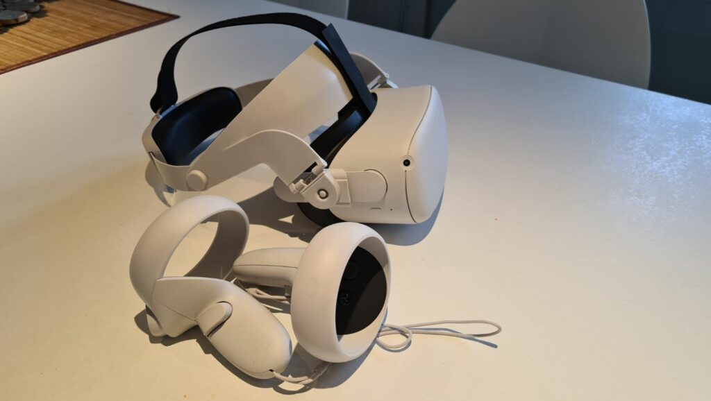 Oculus Quest with halo strap 2