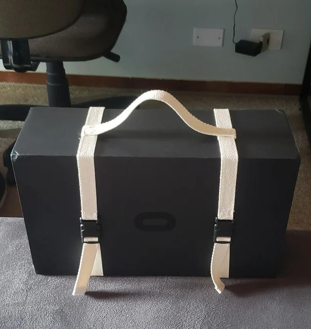 random homemade oculus quest 2 carrying case